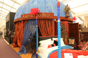 and-so-to-bed-stand-decorex-2013